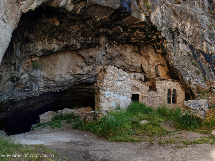 Davelli cave at Penteli